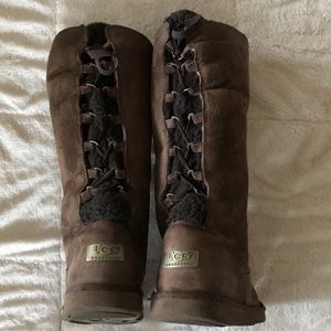 Lace up Ugg boots brown suede 8 Sherpa lining